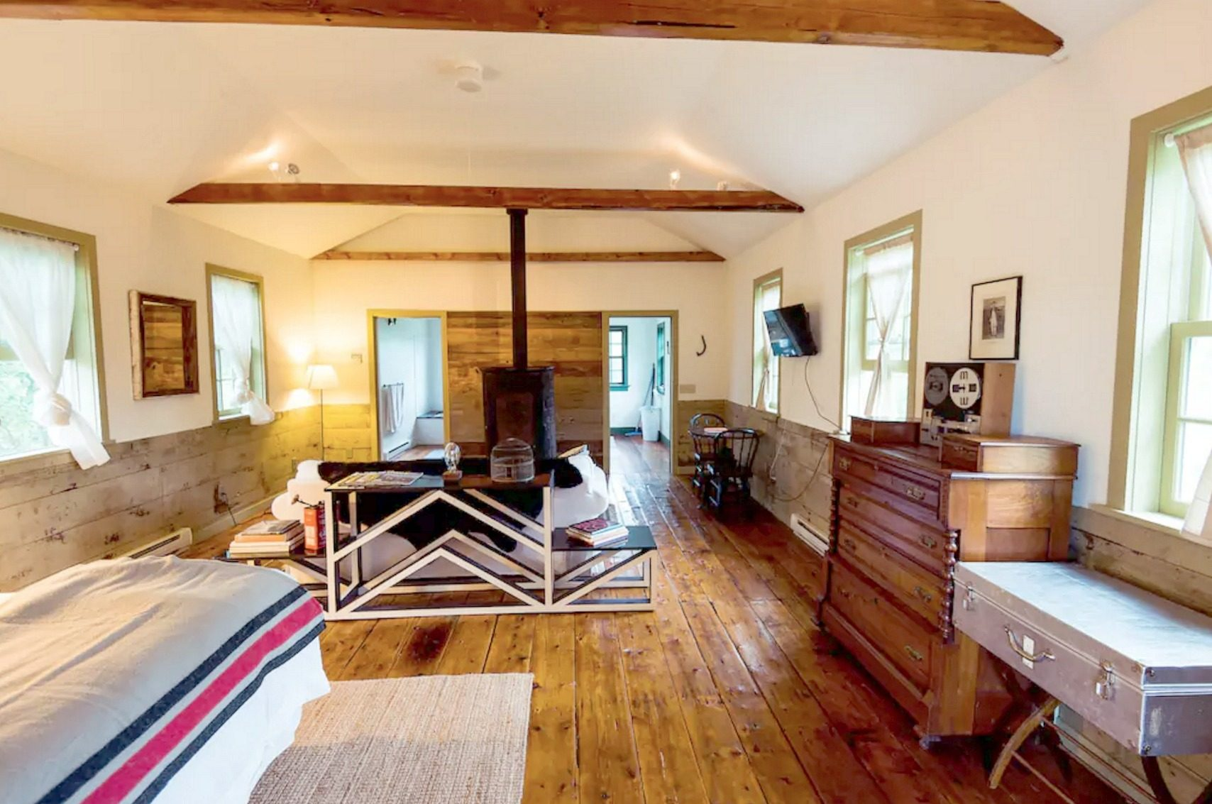 catskills-schoolhouse-airbnb-6