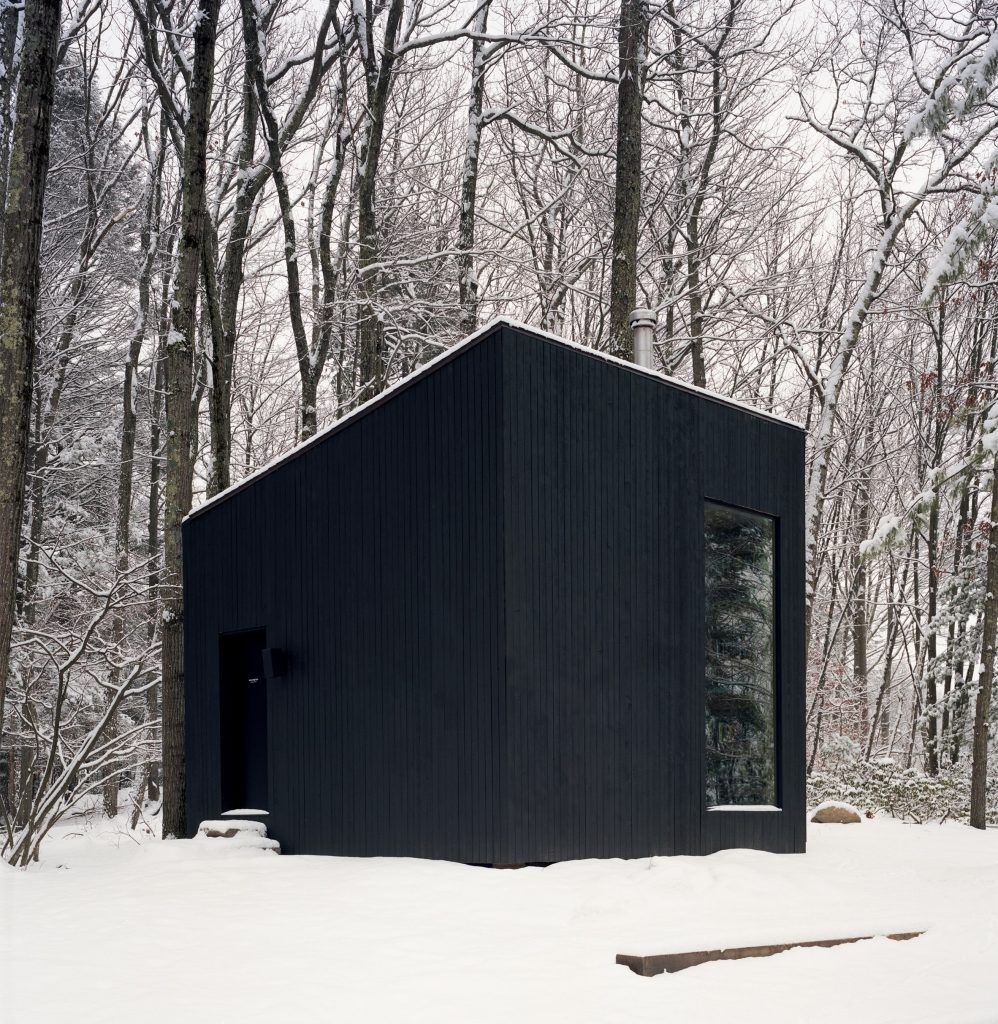 Minimalist Black Guest House By Studio Padron Keeps Upstate New York