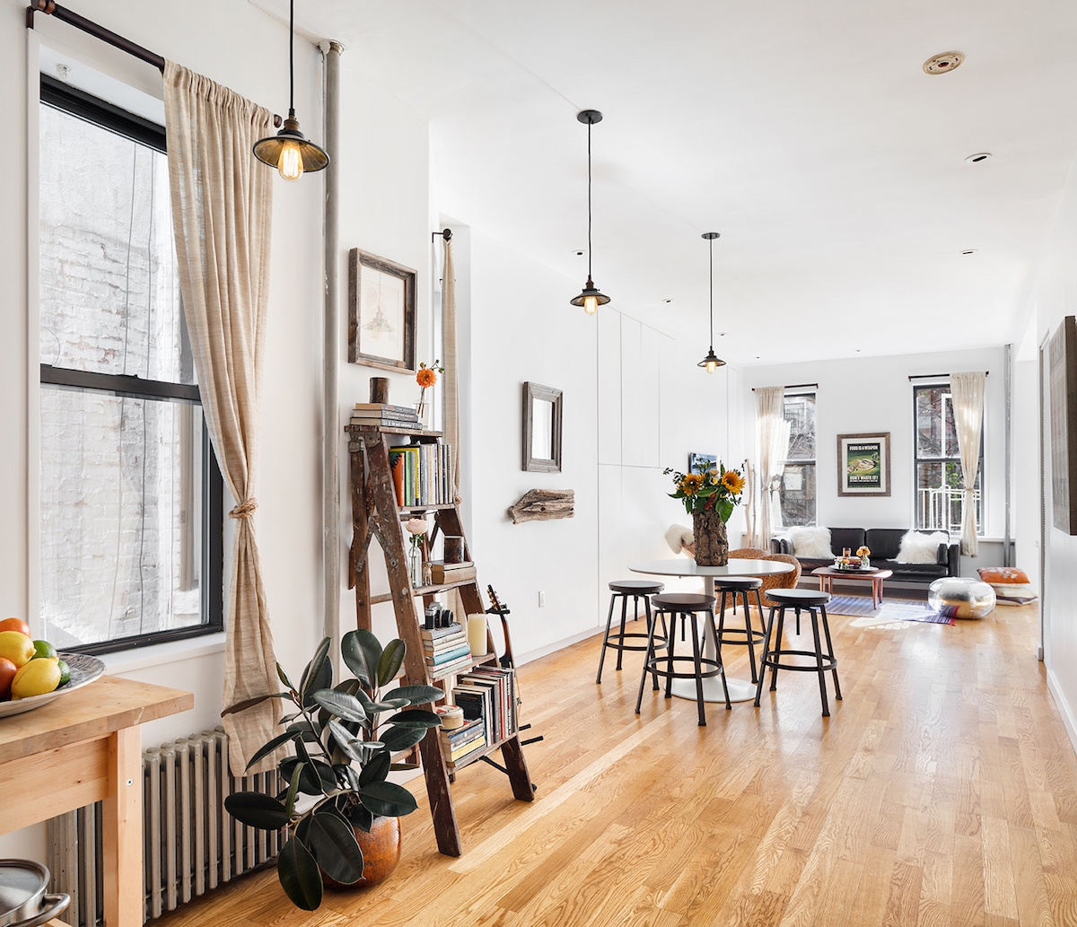 Incroyable This Charming Co Op On A Magical East Village Block Has Layout Options,  Storage Solutions And A $799K Ask
