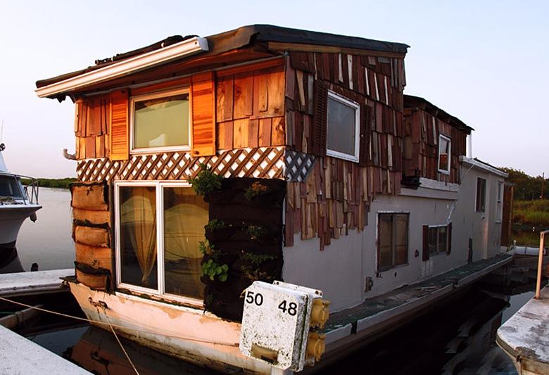 boat-house-far-rockaway
