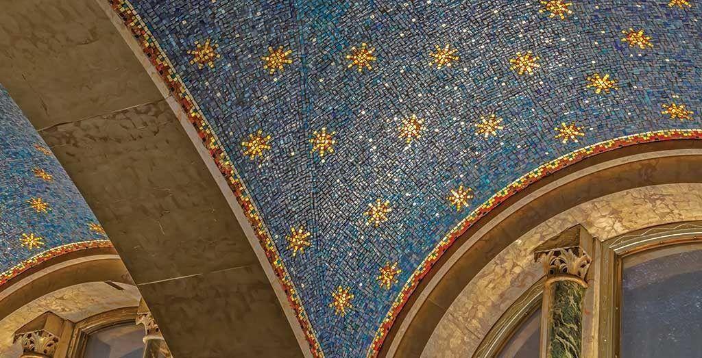 5a. Williamsburgh Savings Bank Tower, detail of blue ceiling mosaic. Photo: Larry Lederman, NYSID