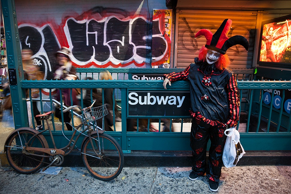 The Urban Lens: A walk through the wild and wonderful Village Halloween Parade