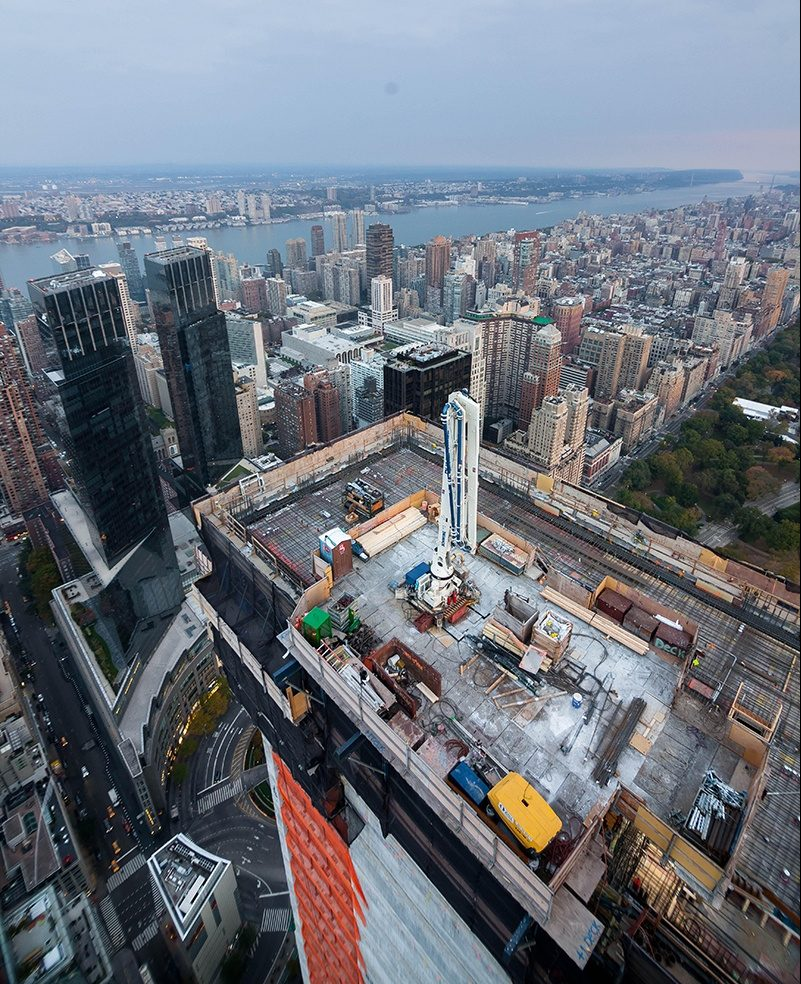 220 Central Park South Apartment: Daredevil Climber Scales Robert A.M. Stern's 220 Central