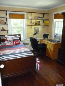 85-15 wareham place, donald trump, fred trump, trump childhood home, historic homes, jamaica estates, auctions, Queens