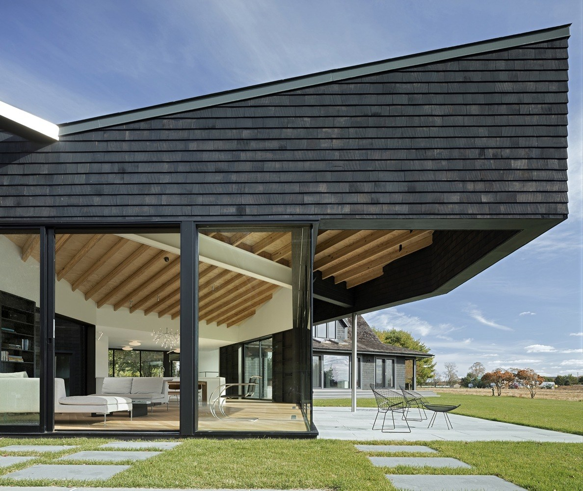 Desai Chia Architecture Combined A Traditional Hamptons Cottage With