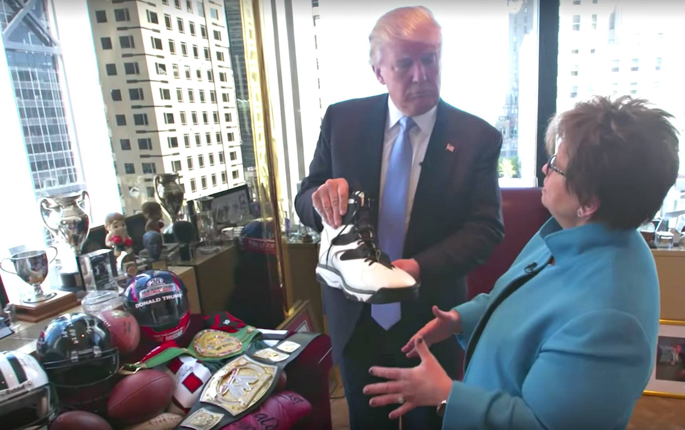 Video Go Inside Donald Trump 39 S Personal Office In Trump