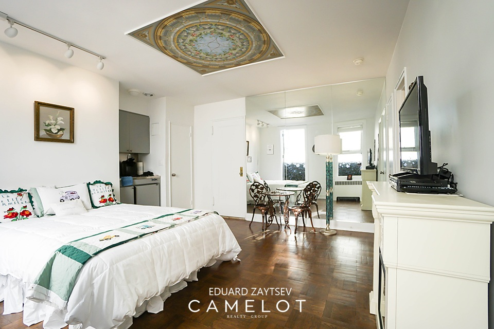 A Penthouse Off Central Park On The Upper East Side For 48K Fascinating 2 Bedroom Apartments Upper East Side Property