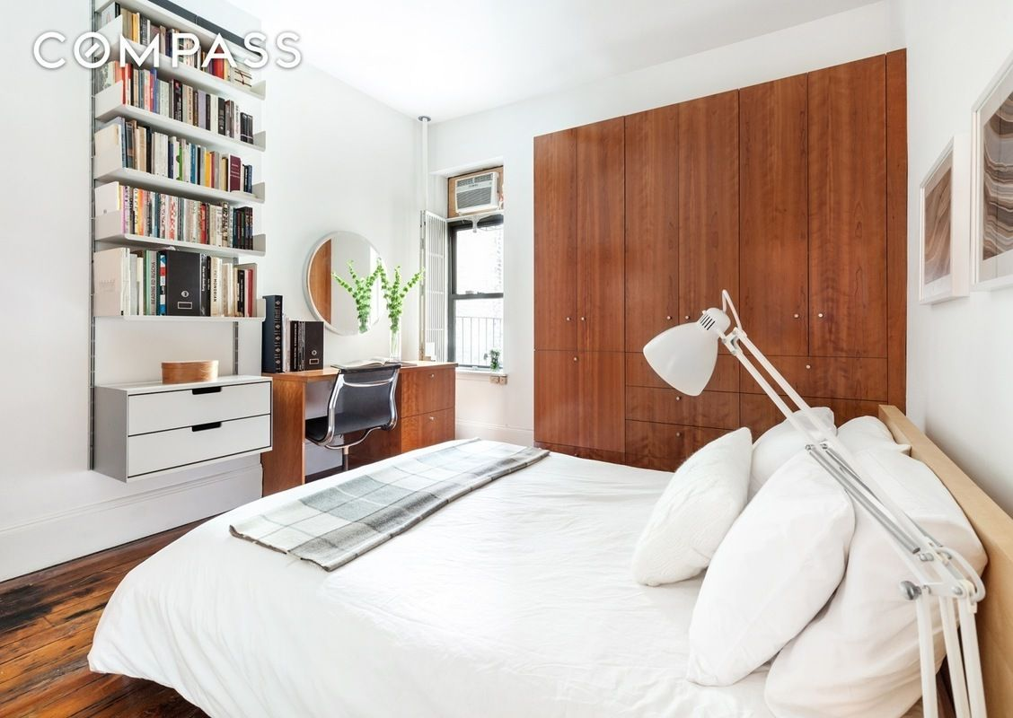 66 4th place, carroll gardens, compass, bedroom