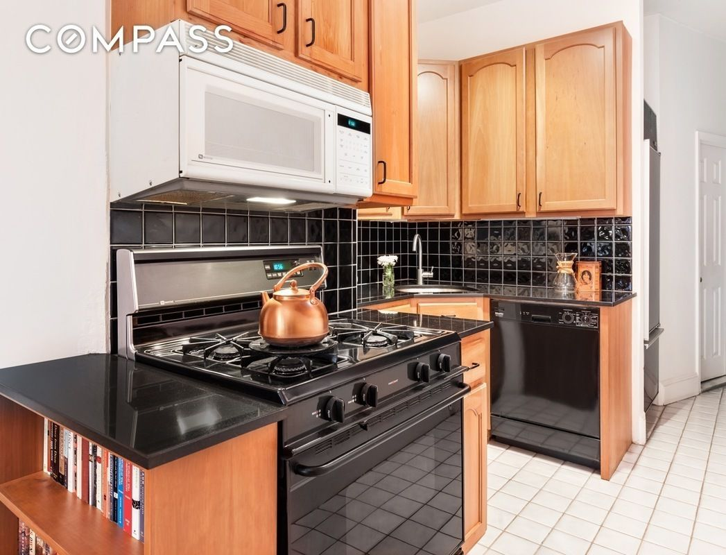66 4th place, carroll gardens, compass, kitchen