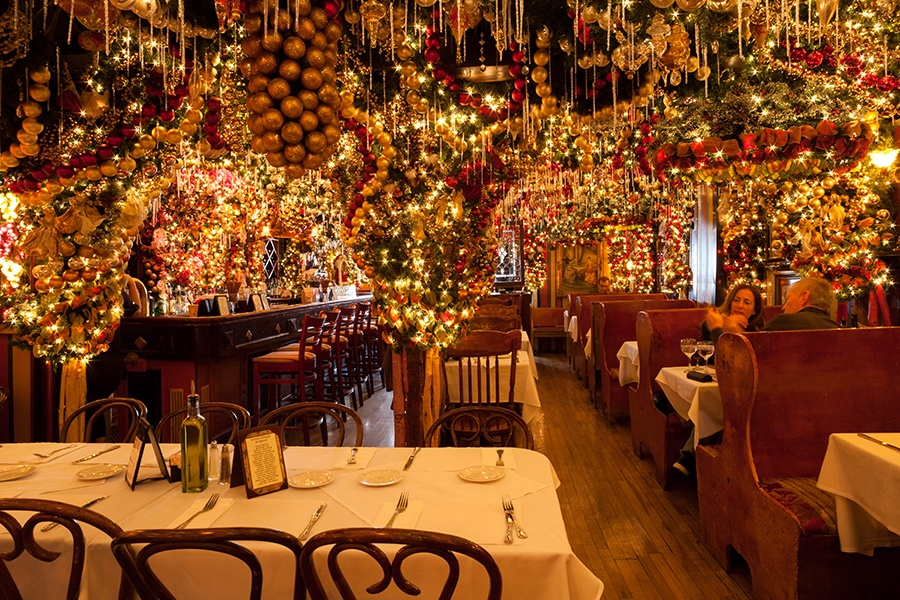 Rolfs Christmas Bar Nyc.The Urban Lens Inside The Christmas Wonderland That Is