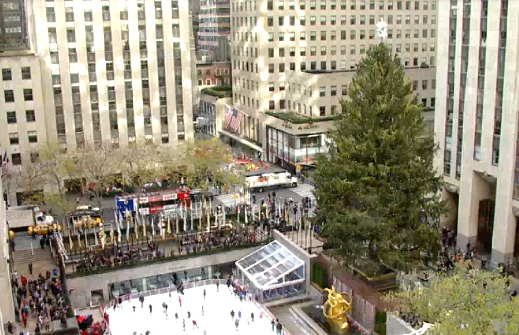 Camera Rockefeller Center : Watch a live feed of the rockefeller center christmas tree; new