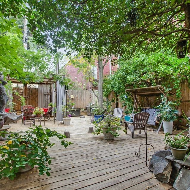 $4.5M Williamsburg building has two apartments and one great backyard