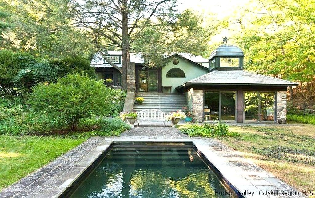Own the incredible arts and crafts home in woodstock where for Arts and crafts new york