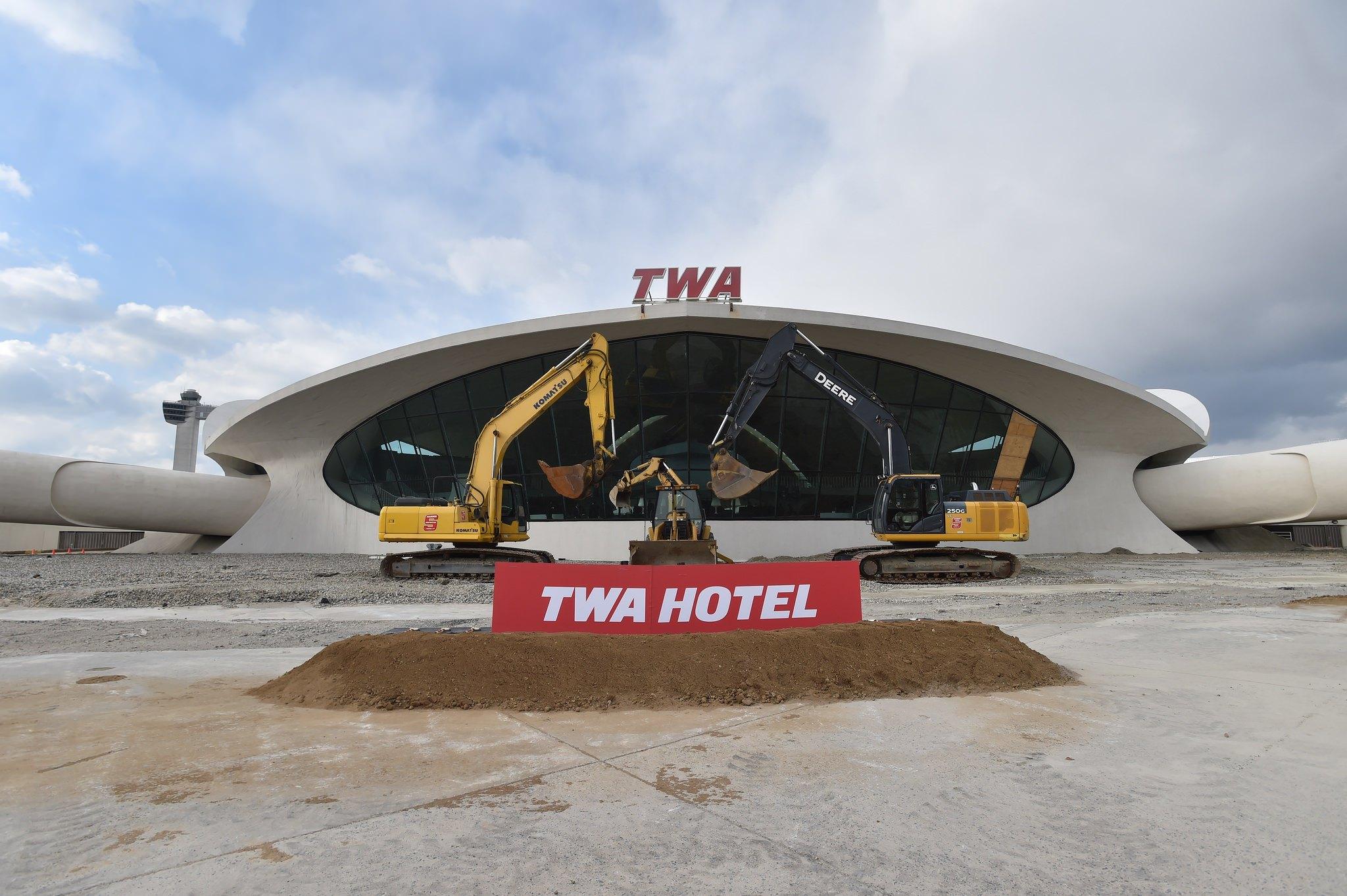 twa-hotel-cuomo-december-2016-1