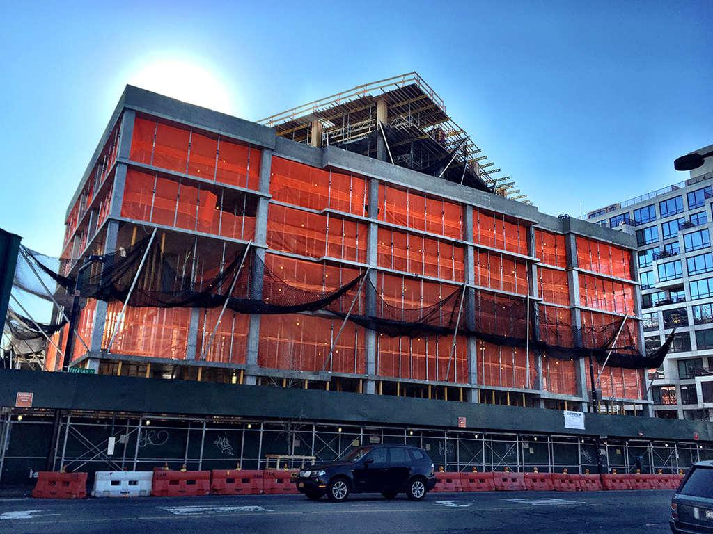 5pointz-construction-december-2016-1