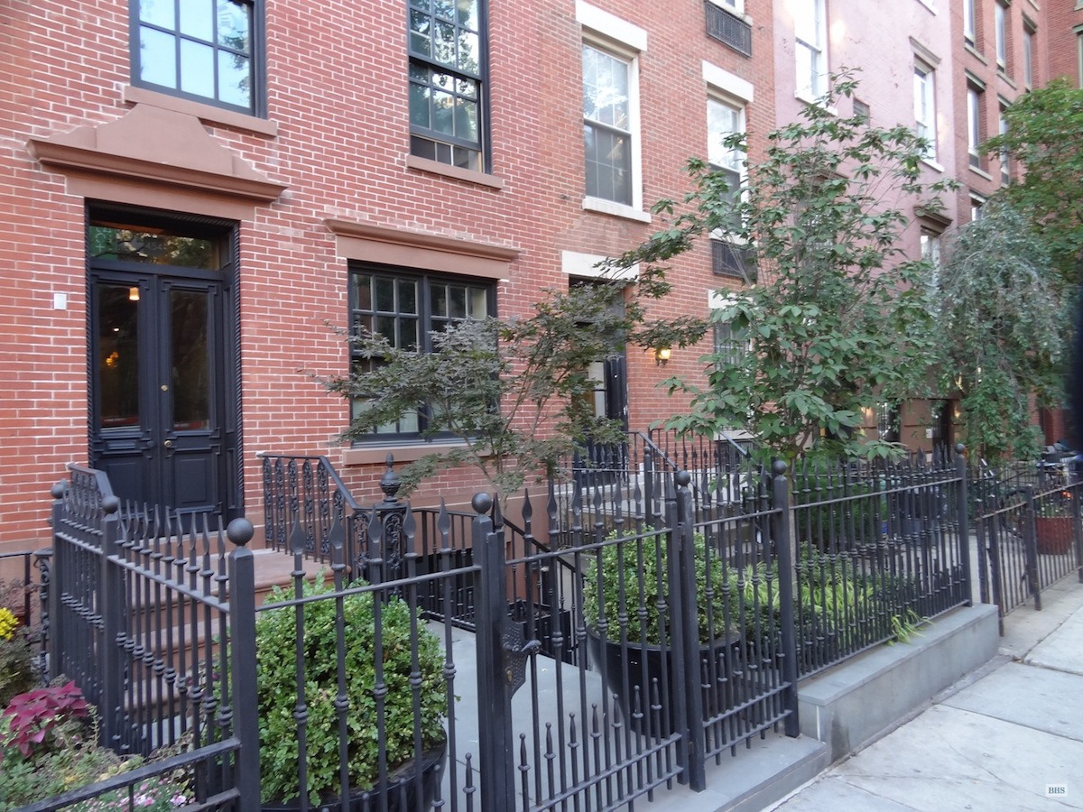454 west 20th Street, Chelsea, Cool Listings, Townhouses, triplex, townhouse, interiors, Jack Kerouac