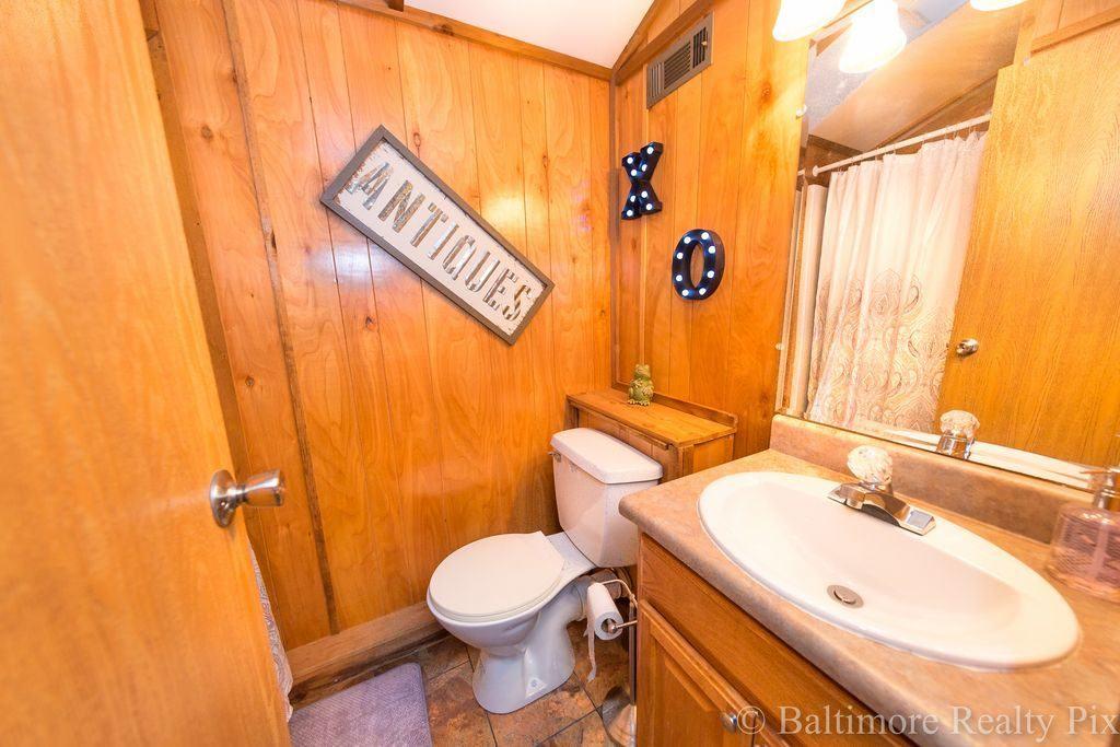 Houseboat Far Rockaway Averne