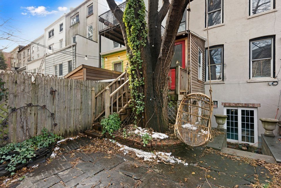 119-vanderbilt-avenue-yard-2