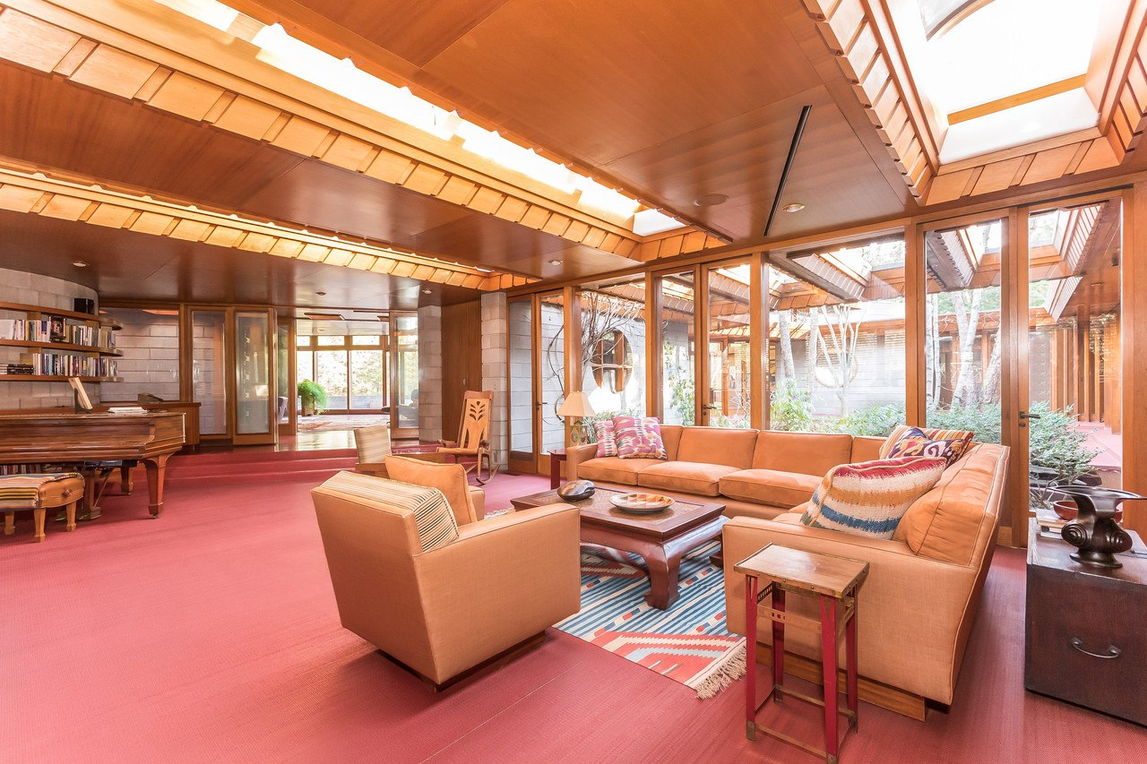 Own Frank Lloyd Wright S Horseshoe Shaped Tirranna Home
