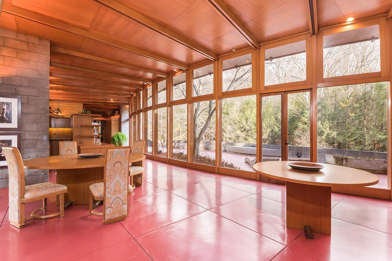 Own Frank Lloyd Wright S Horseshoe Shaped Tirranna Home