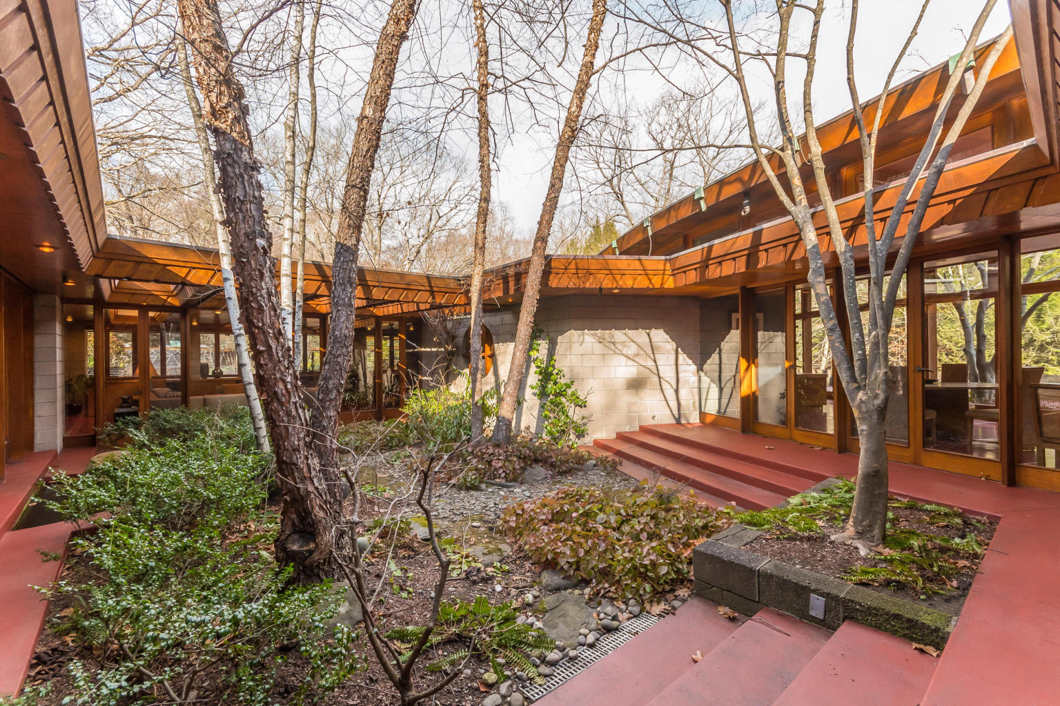 frank loyd write Architecture tours of frank lloyd wright sites in oak park and chicago: home and studio, robie house, unity temple, the rookery, bach house, and the annual wright plus housewalk.