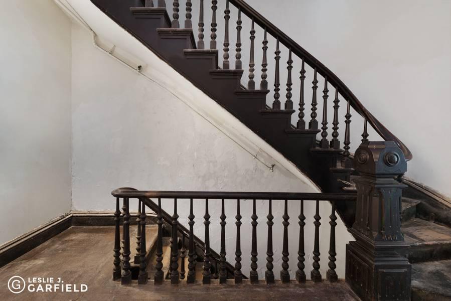154-hicks-street-stairs
