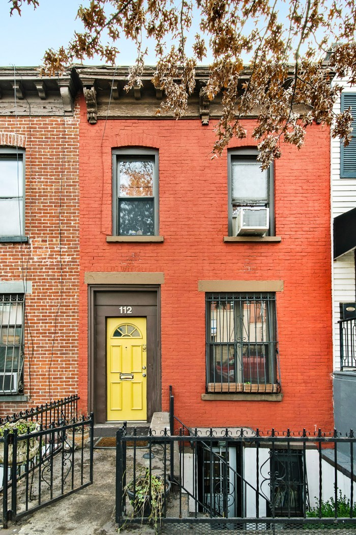 This Brick Townhouse With Romantic Backyard Asks 1 495m