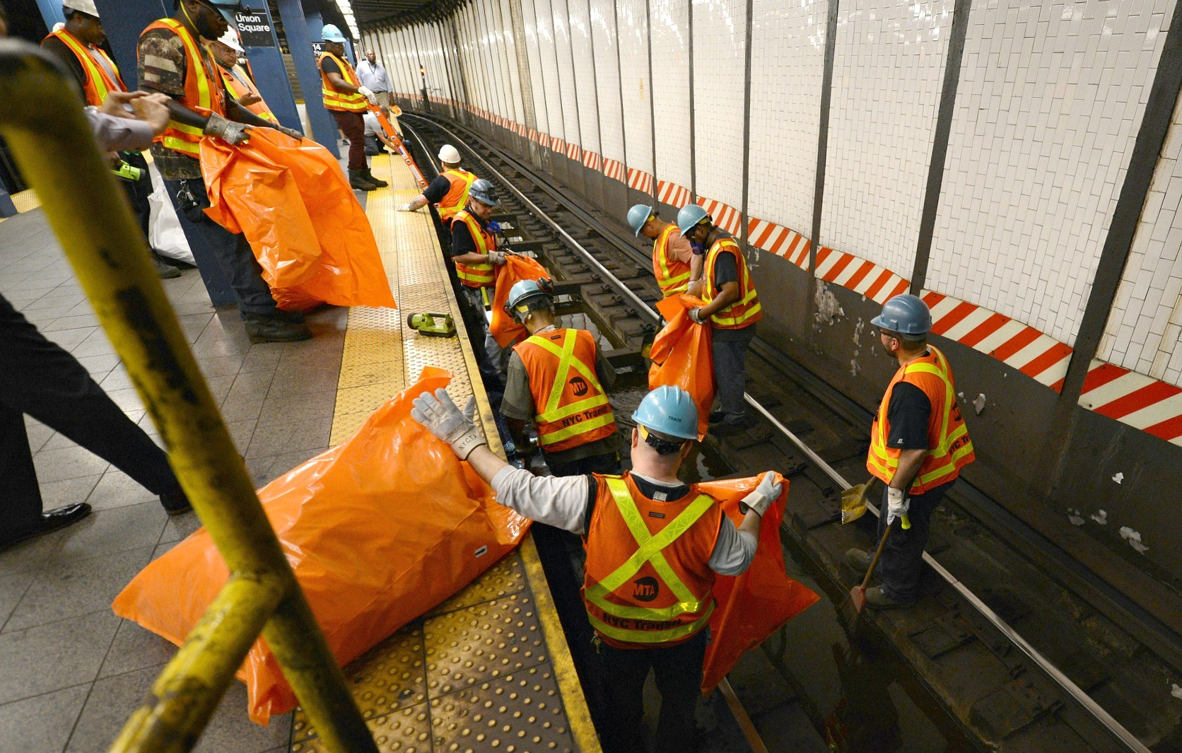 MTA workers, subway maintenance, subway cleanup