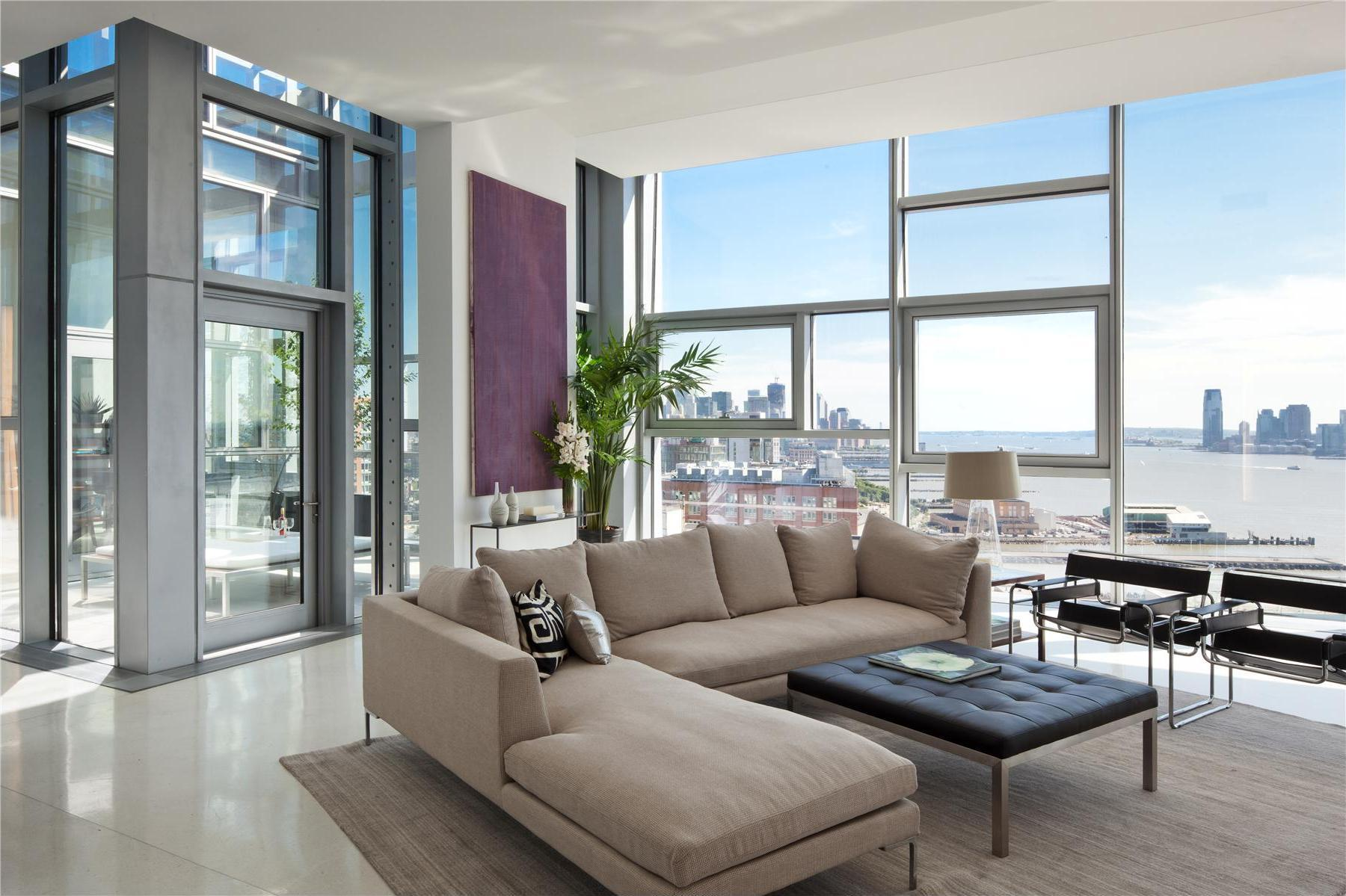 How to decorate a room with floor-to-ceiling windows, tips from a ...