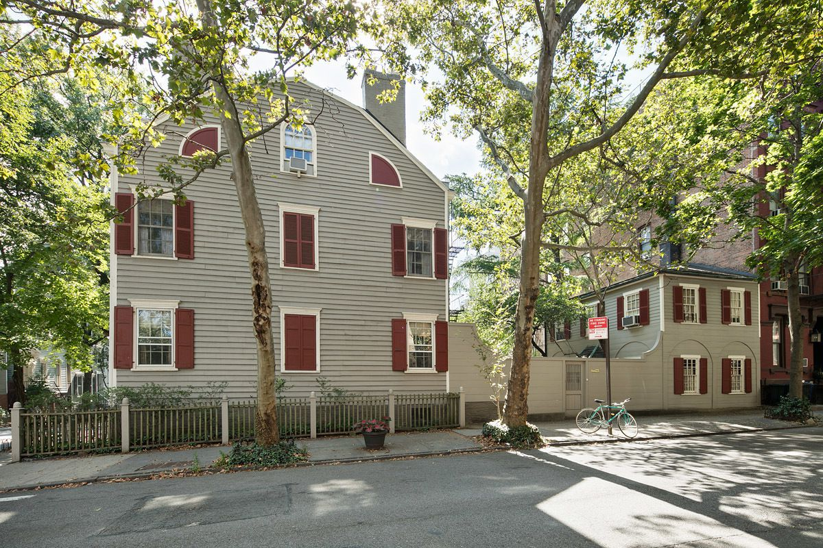 Oldest home in brooklyn heights is on the market for 6 for Buying a house in brooklyn