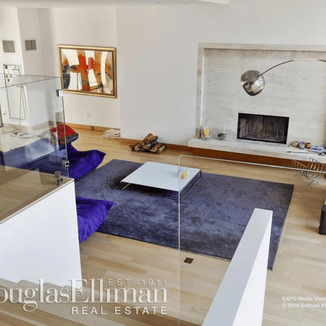 For $9.5M, this sprawling Gramercy co-op has a sunken living room and keys to the park