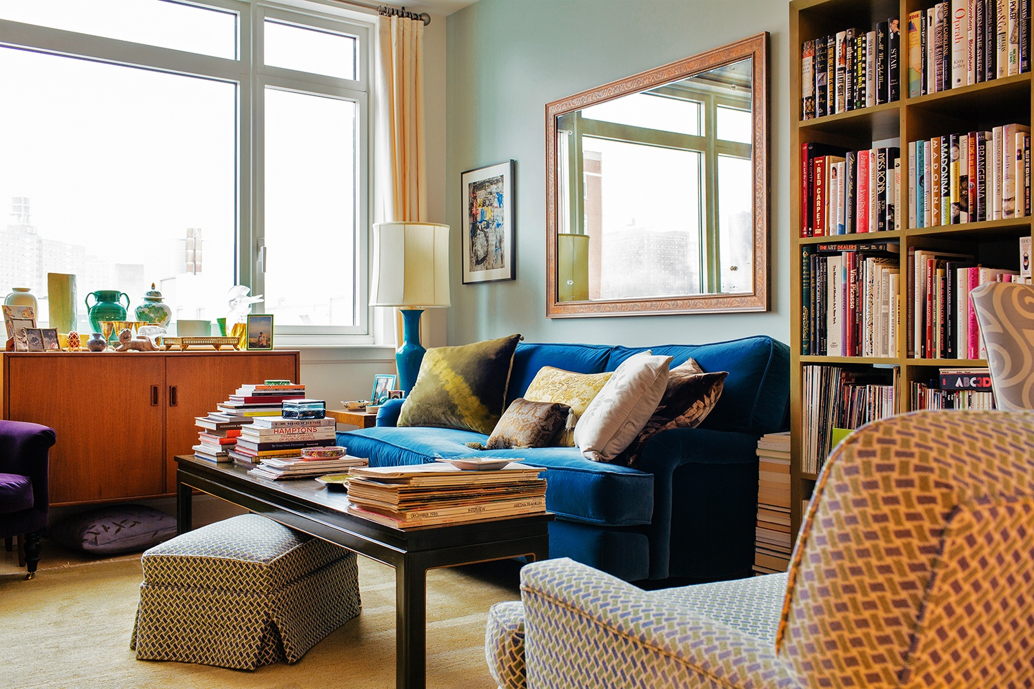 david kleinberg designs a warm and modern manhattan apartment manhattan designers ... the design of her new home, blending family heirlooms, eclectic and  colorful accessories and art, and plenty of personalityu2013all of which led  her to ...