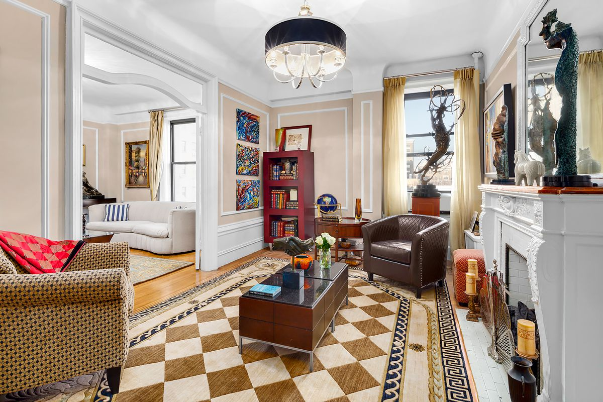 39 spacious and rambling 39 seven room apartment asks 2 7m on for Apartments upper west side