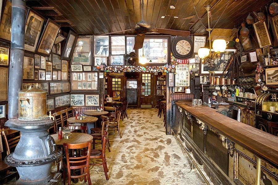 The Urban Lens: Inside McSorley's Old Ale House, NYC's oldest bar | 6sqft