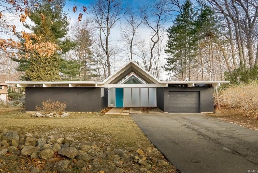 130 Grotke Road, Eichler, Jones & Emmons, upstate, Chestnut Ridge, cool listings, Modern homes, modernism, historic homes, architecture