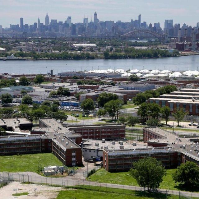 De Blasio releases city's plan to close Rikers, claims it 'will not be easy'