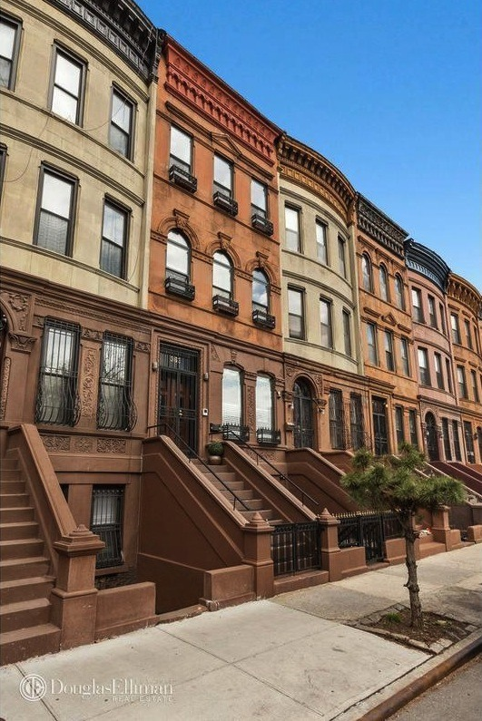 Funky renovated west harlem townhouse has hit the market for Townhouses for sale in harlem