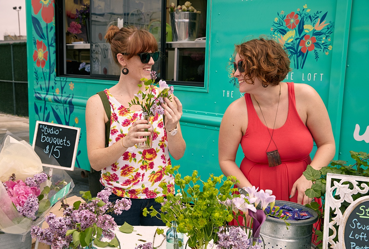 Shop and nosh your way through 20 of NYC\'s best flea and food ...