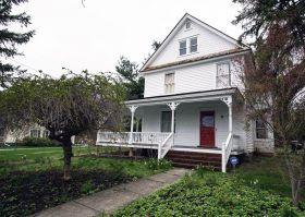 41 Elm Drive, Millbrook, Clapboard homes