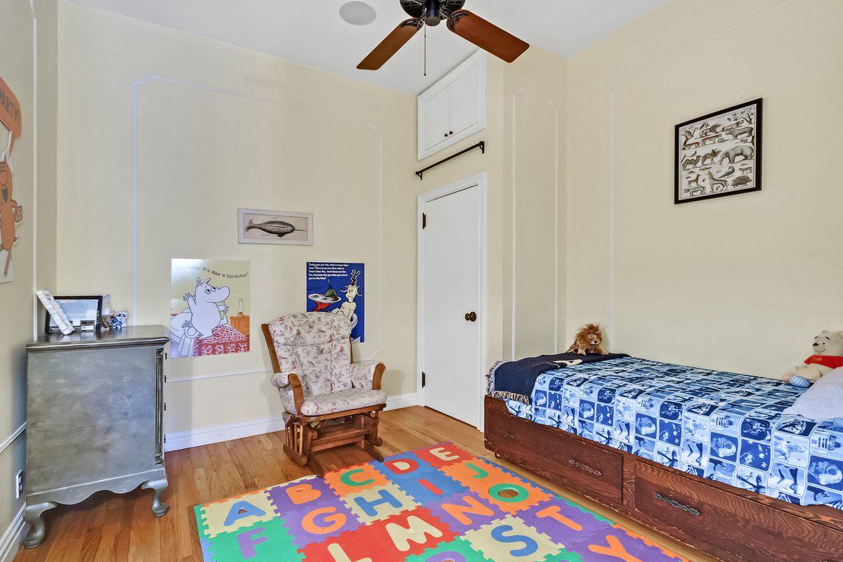 718 Broadway, Cool listings, Noho, lofts