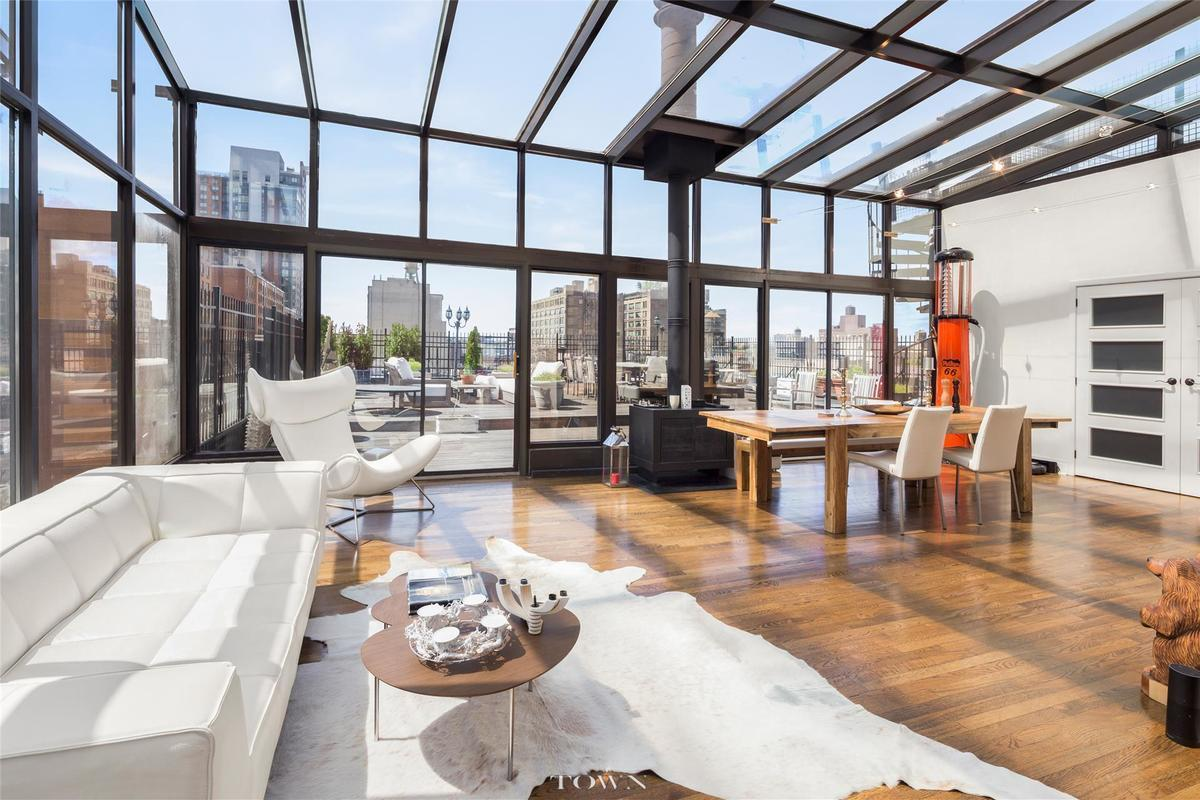 3 4m Hell S Kitchen Penthouse Boasts The City S Only
