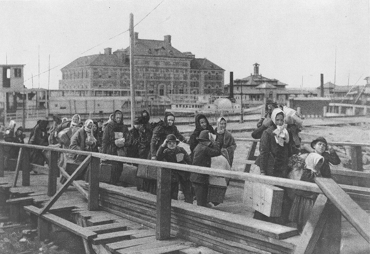 Ellis Island, New Jersey, Immigrants