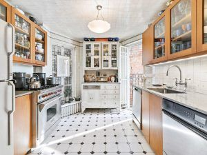 16 Chittenden Avenue, Pumpkin House, Cool Listings, Townhouse, Hudson Heights, unique homes, quirky homes,