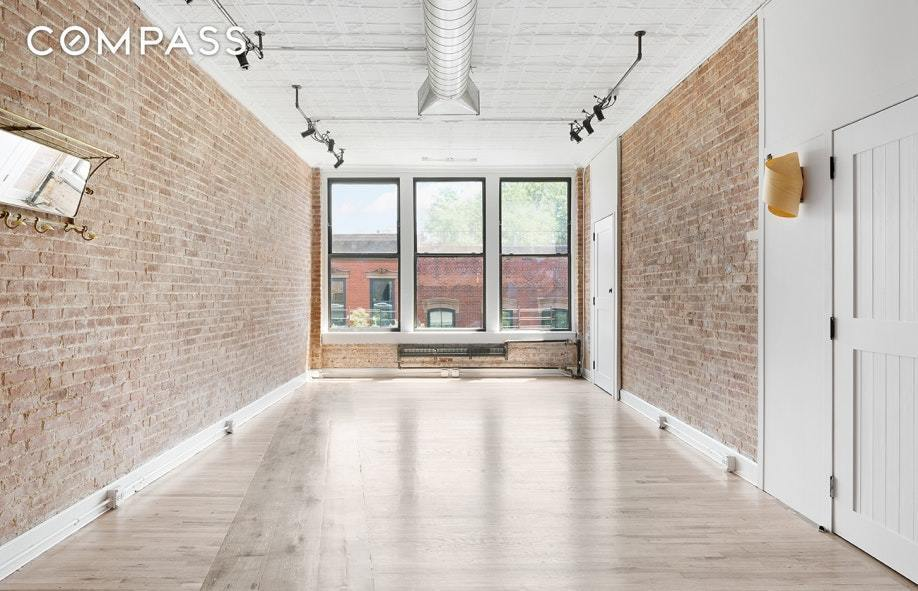 The Two Bedroom Pad Comes With Classic Loft Details Such As Exposed Brick  Walls, Pressed Tin Ceilings With Exposed Ductwork, And Original Wood Floors. Images