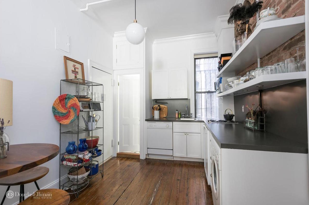 135 perry street, cool listings, meatpacking district, west village, studios