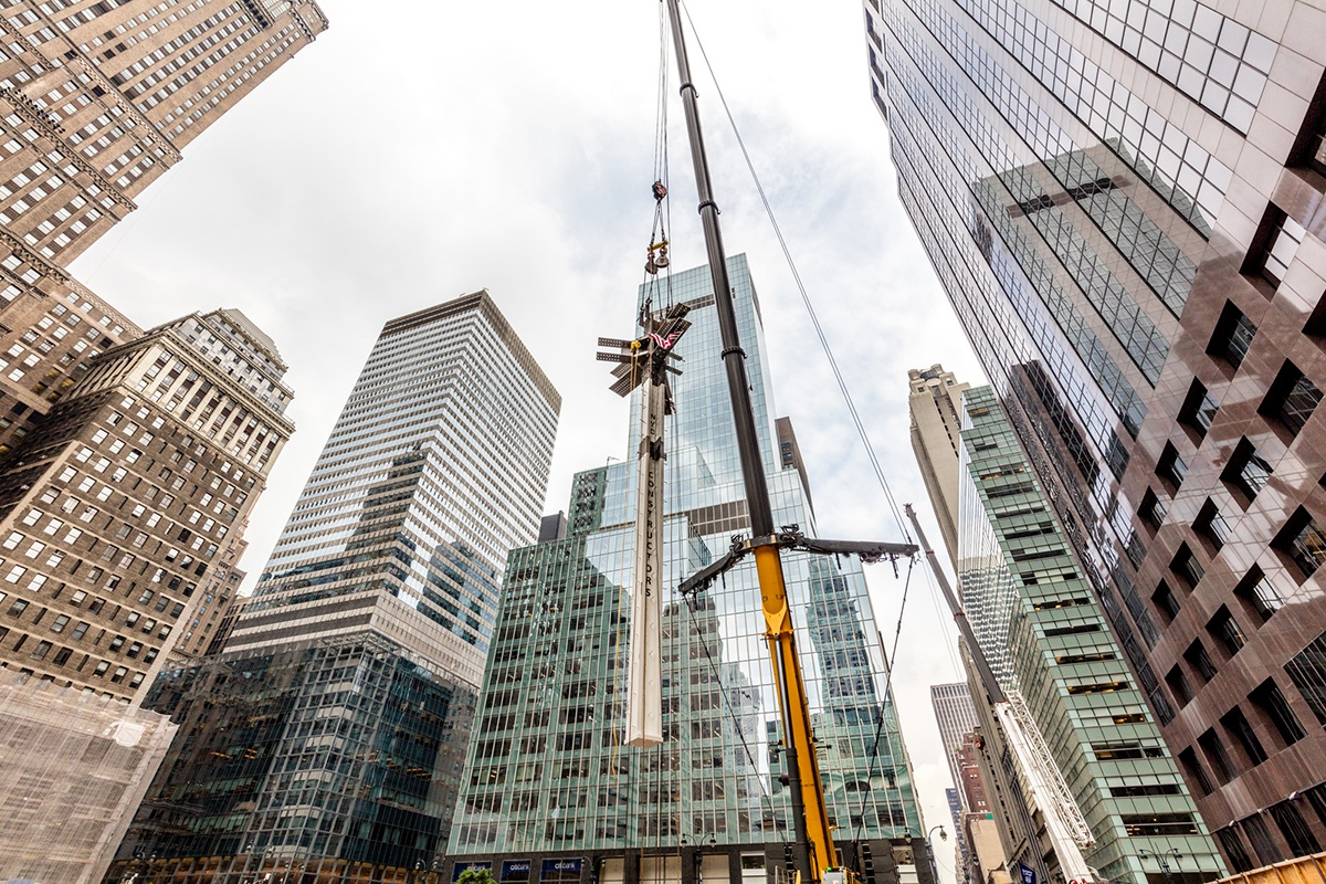 Photos First Steel Column Installed At 1401 Foot One