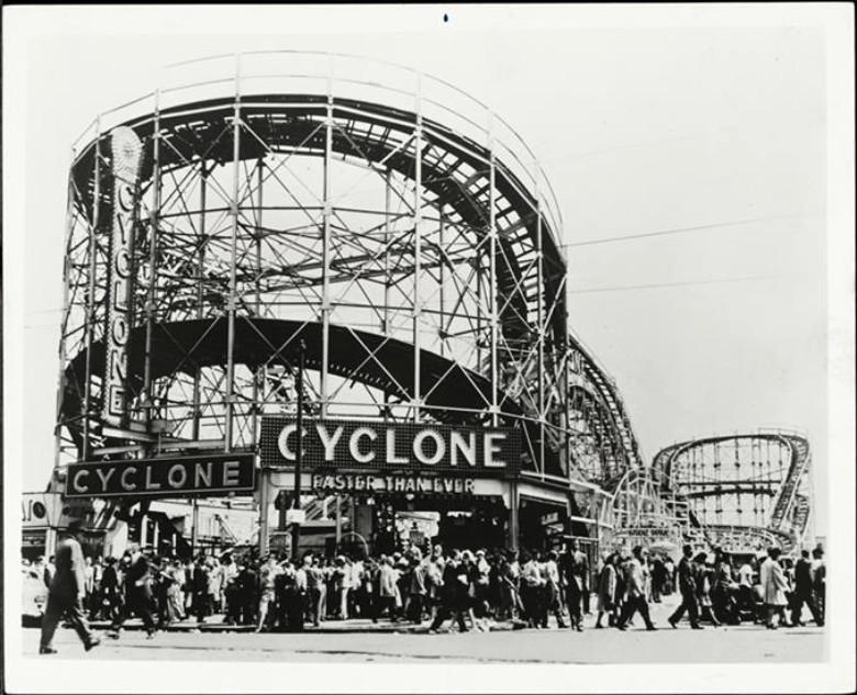 cyclone, coney island, cyclone roller coaster