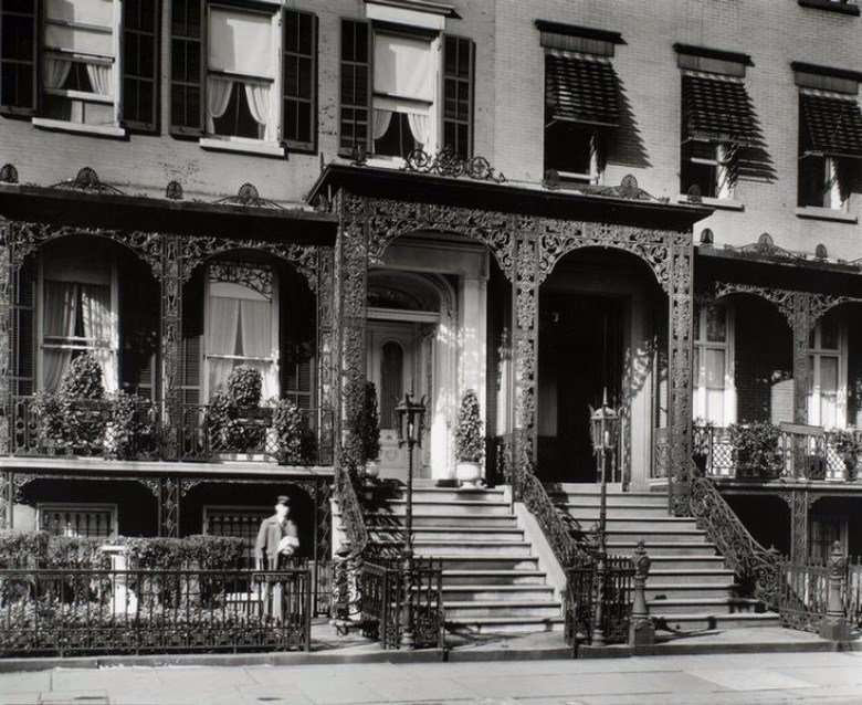 Historic Gramercy Townhouse From Bob Dylan Album Cover