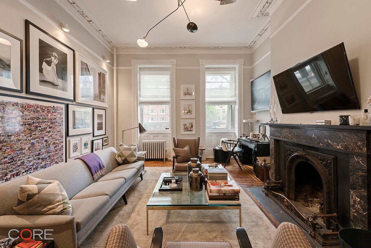 Rent the lavish parlor floor of this 1900s SoHo townhouse for $6,500 ...