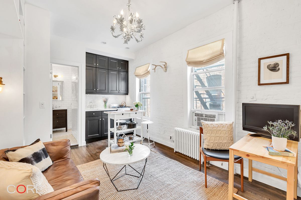 $2,500/month Soho studio fits a lot of storage and charm into 200 ...